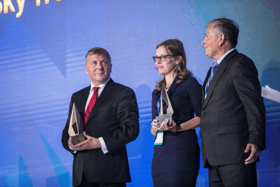 Sky Tronic odbiera nagrodę gospodarczą w kategorii Startup podczas gali Forum Wizja Rozwoju